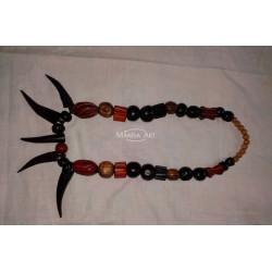 Ebony wood necklace with 05 teeth