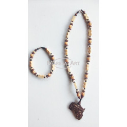 "Traditional necklace + ""wooden"" bracelet"