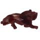 Lion en bois sculpté