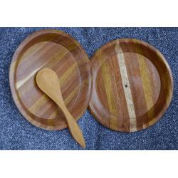 2 assiettes en bois